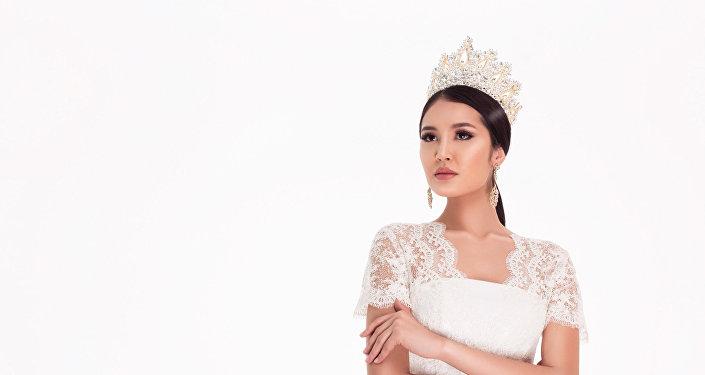 Обладательница титула Мисс Кыргызстан — 2017, модель Бегимай Карыбекова. Архивное фото