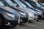 Автомобили Toyota Сamry для продажи у дилера Toyota в Лос-Анджелесе. 27 января 2010 года