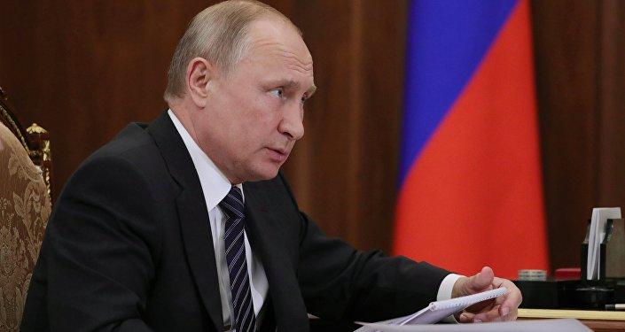Президент РФ В. Путин встретился с уполномоченным по правам ребенка Анной Кузнецовой