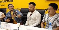 Алтайлык көмөкөй үндүү ырчылар журналисттерге өнөрүн көрсөттү