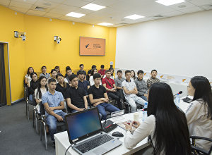 Мастер-класс для учащихся колледжа при Кыргызском экономическом университете на тему трудоустройства в банке