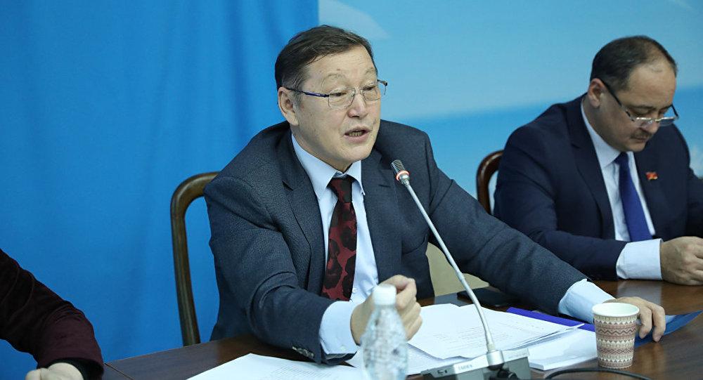 Жогорку Кеңештин депутаты Осмонбек Артыкбаев. Архив