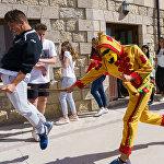 Фестиваль прыжков Эль Колачо в деревне Кастрильо-де-Мурсия, Испания