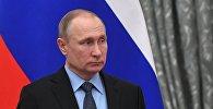 Президент РФ В. Путин на церемонии подписания соглашения между общероссийскими объединениями профсоюзов, работодателей и правительством РФ