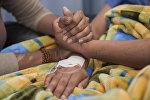 Психологическая поддержка пациентки в больнице. Архивное фото