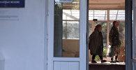 Вход в дом-интернат для престарелых в Бишкеке. Архивное фото