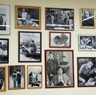 Улуу жазуучу Чыңгыз Айтматовдун музейи. Архивдик сүрөт