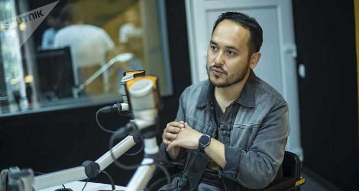 Блогер, специалист по пиару, продюсер Азим Азимов