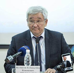 Архивное фото экс-мэра Бишкека, бывшего председателя Государственной таможенной службы Кубанычбека Кулматова