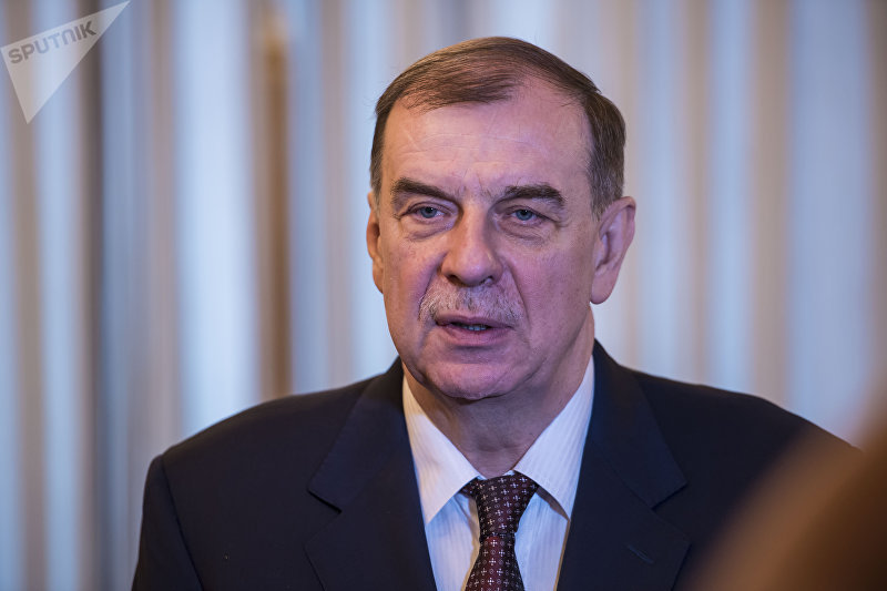 Посол Российской Федерации в Кыргызстане Андрей Крутько во время интервью корреспонденту Spuntik Кыргызстан