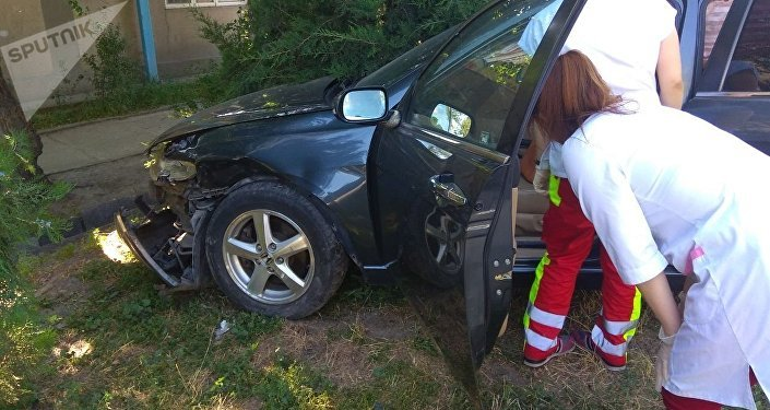 В Бишкеке столкнулись автомобили марок Toyota Allion и Honda Accord