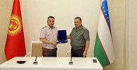 Министр обороны РУз Абдусалом Азизов принял военную делегацию КР