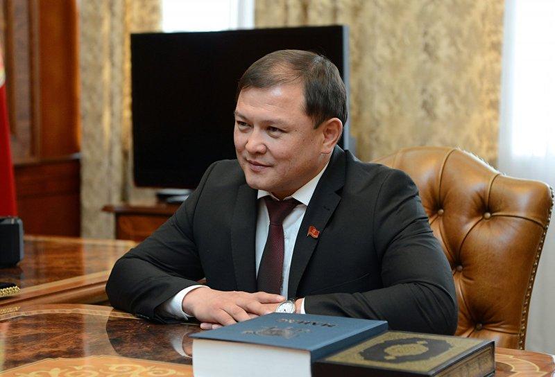 Торага Жогорку Кенеша Дастанбек Джумабеков во время встречи с президентом КР Алмазбеком Атамбаевым