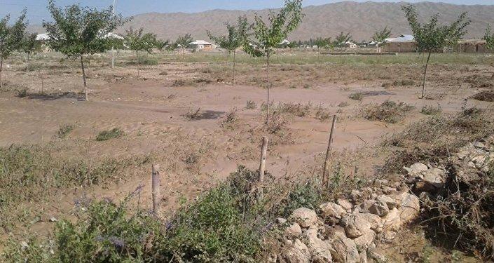 Последствия селя в селах Ак-Сай, Ак-Татыр и Самаркандек Баткенского района