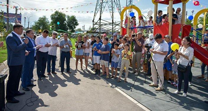На пересечении улиц Дэн Сяопина и Садыгалиева открылся новый сквер