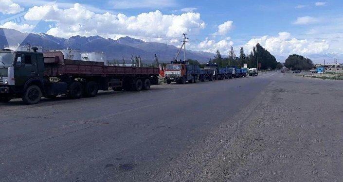 Бишкек шаарынын ТЭЦине көмүр ташыган айдоочулар иш таштады