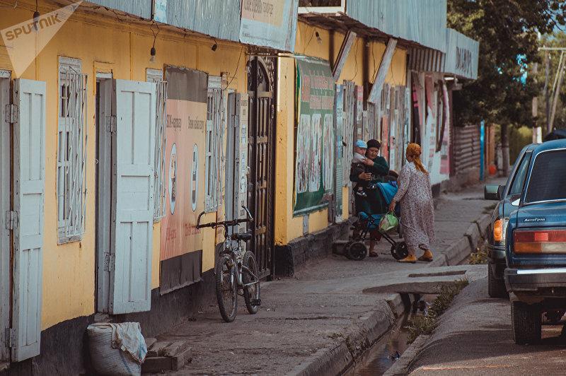 Центральная улица села Кулунду Лейлекского района Баткенской области