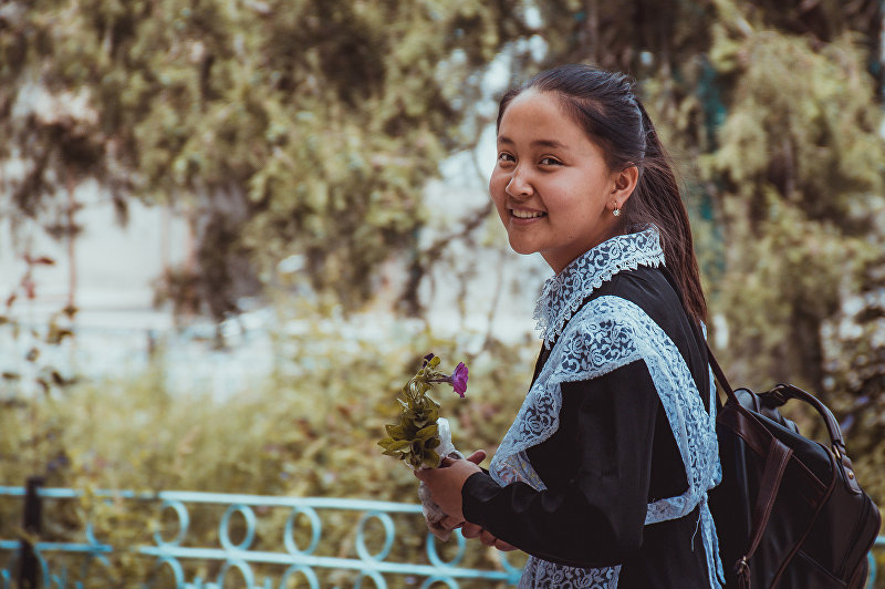 Школьница из села Кулунду Лейлекского района Баткенской области
