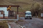 Баткен шаары каттаган маршруттук такси. Архивдик сүрөт