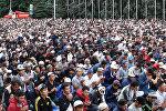 Тысячи людей молились Всевышнему. Видео с Айт-намаза в Бишкеке