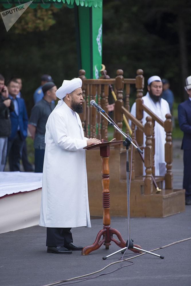 Перед собравшимися выступил верховный муфтий Максатбек ажы Токтомушев