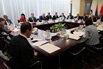 Вице-премьер-министр Жеңиш Разаков ЕЭК Кеңешинин жана КМШ Экономикалык кеңешинин Москва шаарындагы жыйындарына катышты