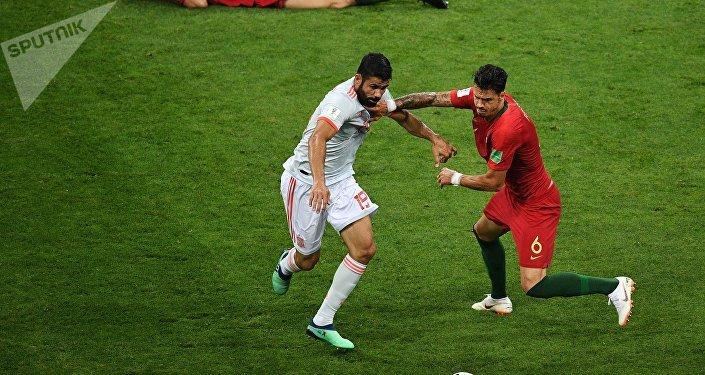 Португалия курама командасы менен Испания футболчулары Сочи шаарында өткөн беттешүүдө 3:3 эсеби менен тең чыкты
