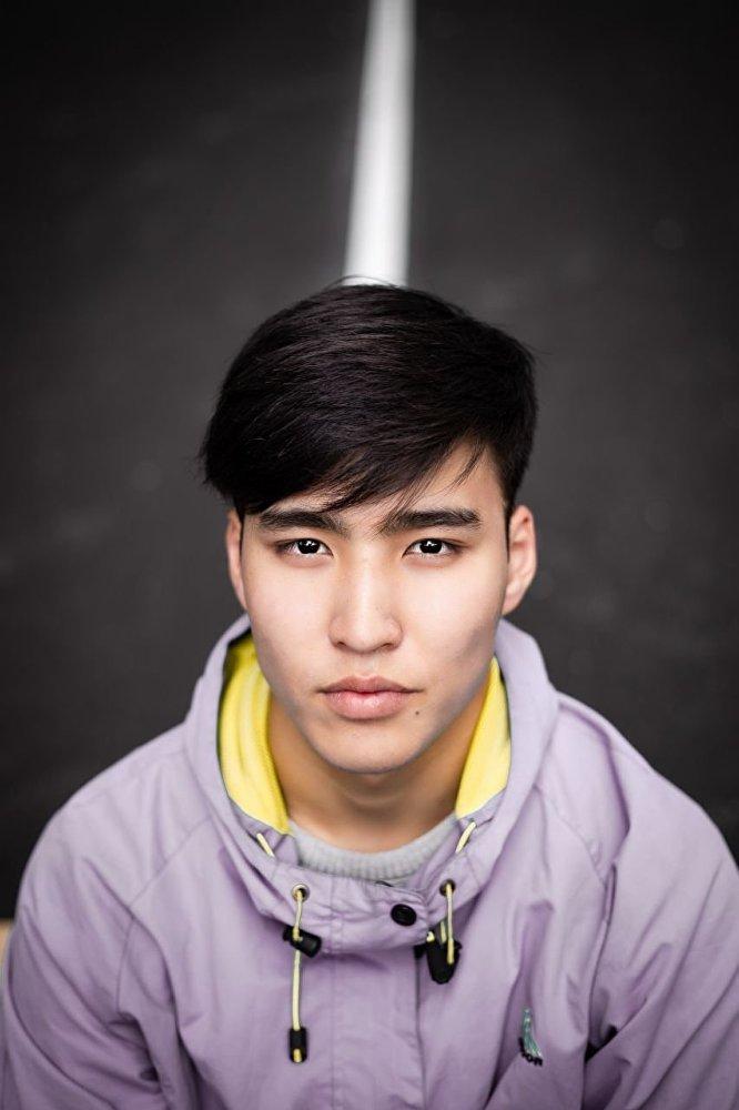 Победитель конкурса красоты среди школьников  Mister Universal Ambassador Kyrgyzstan - 2018 Аскат Осмонов