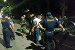 Бишкекте Фрунзе менен Калык Акиев көчөлөрүнүн кесилишинде Honda үлгүсүндөгү унаа жолдун четинде турган Lexus автосун сүзгөн.