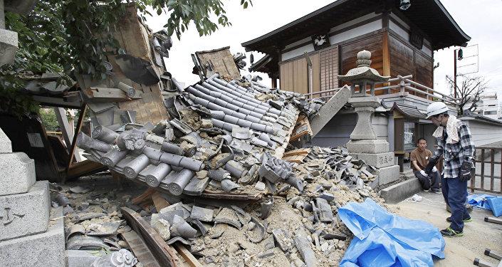 Япониядагы катуу жер титирөөнүн кесепети. Архивдик сүрөт