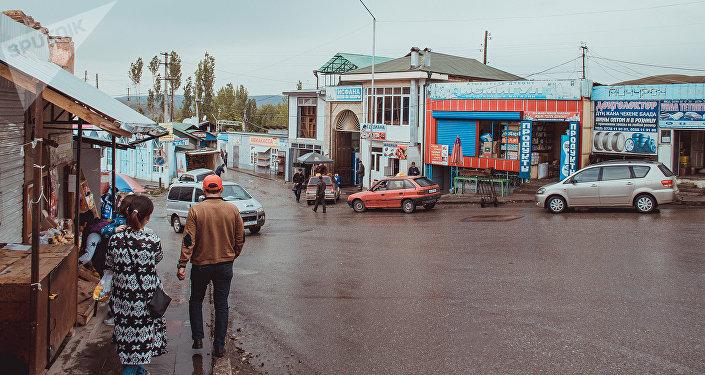 Исфанадагы базар. Архивдик сүрөт