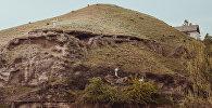 Баткен облусунда Исфана — Сулюкта жолунда тоолор. Архив