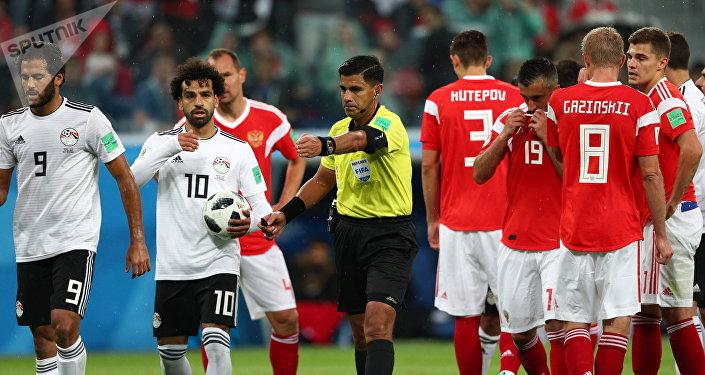 Ал эми египеттик Мохаммед Салах 73-мүнөттө пенальти тээп каршылашынын дарбазасына топту киргизди.