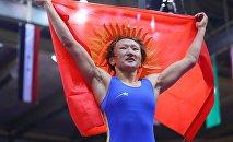 Дважды чемпион Азии по женской вольной борьбе и победительница Исламских игр солидарности Айсулуу Тыныбекова после победы