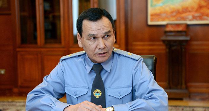 Президент Сооронбай Жээнбеков принял министра внутренних дел Кашкара Джунушалиева