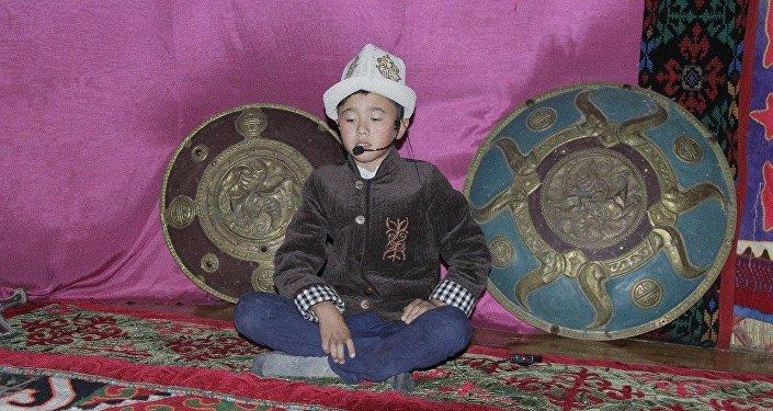 Нусуповдун айтымында, жети жылдан бери өткөрүлүп келе жаткан Манас майрамы быйыл аймактарды өнүктүрүү жылына арналды