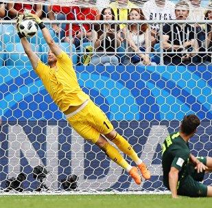 Дания менен Австралиянын футбол курама командалары Дүйнөлүк чемпионаттын алкагында өтүп жаткан группалык этаптын алкагында беттешип тең чыкты