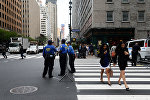 Сотрудники полиции на улице Нью-Йорка. Архивное фото