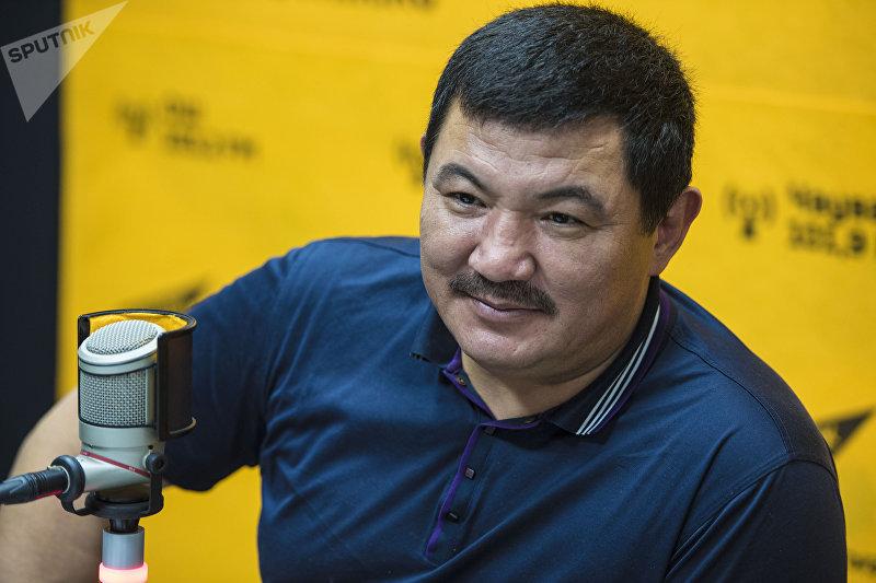 Заслуженный артист Кыргызской Республики, певец Бек Борбиев во время интервью корреспонденту Sputnik Кыргызстан