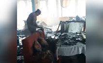 Что осталось от сгоревшего ресторана в Бишкеке. Видео МЧС