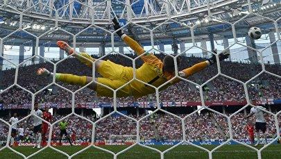 Вратарь Джордан Пикфорд (Англия) в матче группового этапа чемпионата мира по футболу между сборными Англии и Панамы.