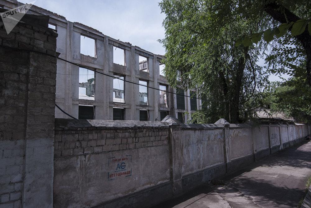 Сооружения в Бишкеке портящие облик столицы