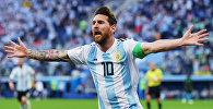 Лионель Месси (Аргентина) радуется забитому голу в матче группового этапа чемпионата мира по футболу между сборными Нигерии и Аргентины.