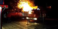 Бишкекте тандырдан өрт чыгып, жанындагы курулуш да күйүп кетти. Видео