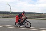 Мына сага! Бишкектин тургуну Москвадан Кыргызстанга велосипед тээп келди
