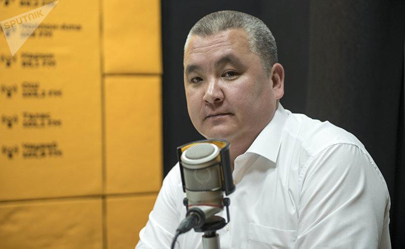 Декан факультета последипломного образования КГМА Оскон Салибаев