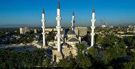 Мечеть имени имама аль-Сарахсия на проспекте Жибек Жолу в Бишкеке. Архивное фото