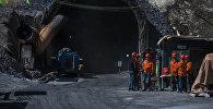 Жакын арада Төө-Ашуудагы Көлбаев атындагы тоннелдин түндүк тарабынан кирген жана ичиндеги жол оңдоло турганын Транспорт жана жолдор министрлиги билдирди