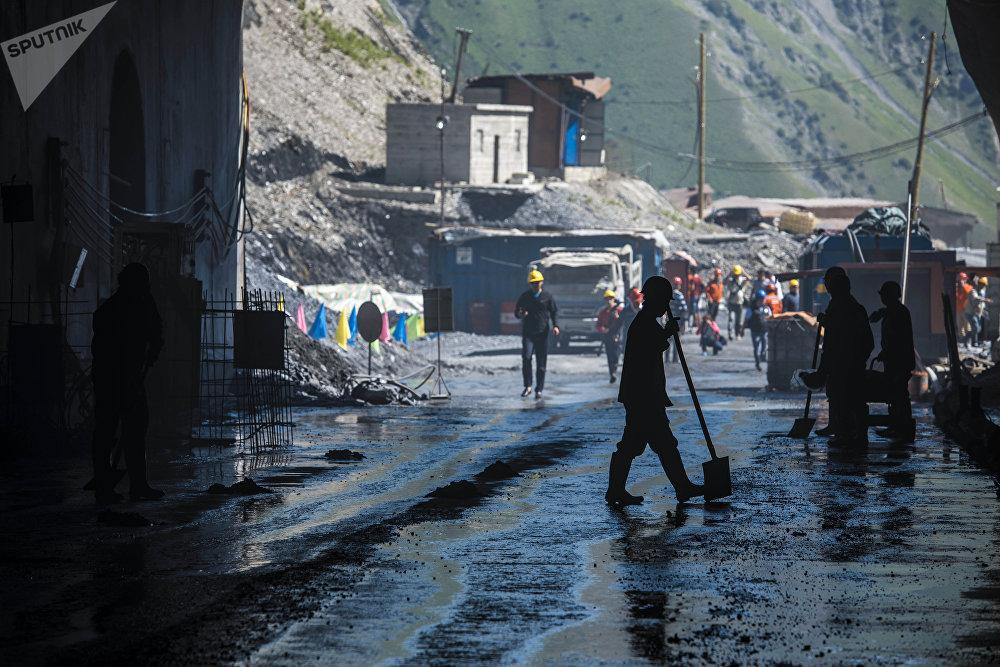 Көк-Арт ашуусундагы тоннель аркылуу күн сайын 12 миң унаа өтө алат