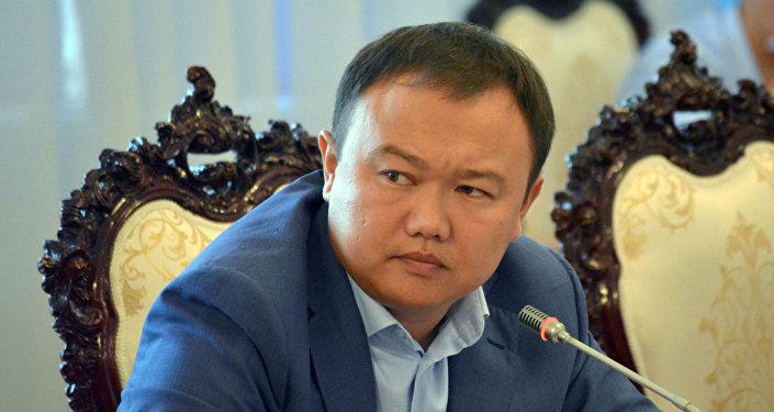 Депутат Данияр Аттокуровдун архивдик сүрөтү